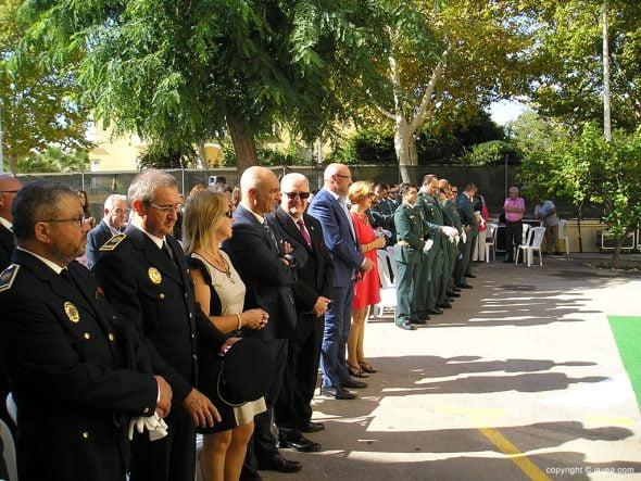 Autoridades civiles y militares en la misa
