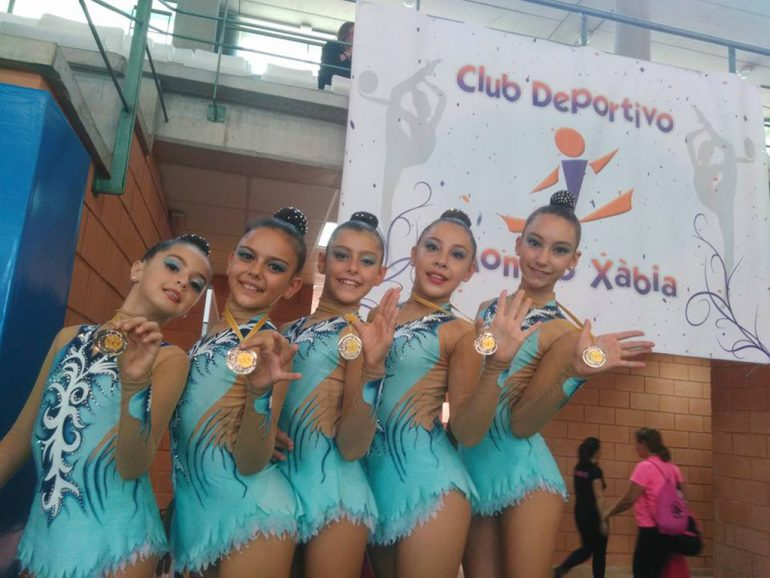 Las chicas del conjunto alevín del CD Montgó-Xàbia