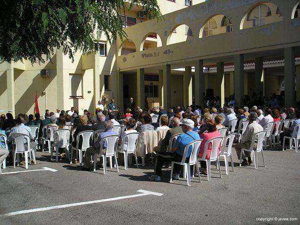 Público asistente a la misa
