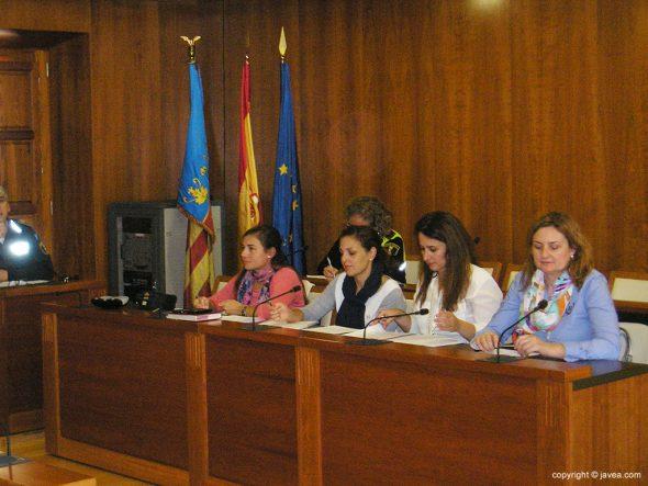 Grupo de profesionales en la lucha de la violencia de género