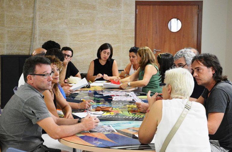 Reunión de AMPAS de Xàbia y directores de los colegios