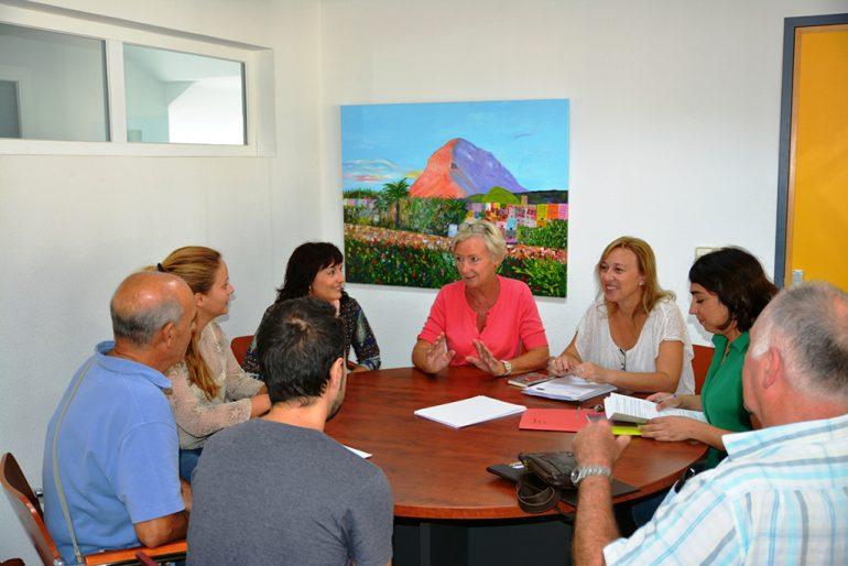 Reunión de personas del Programa Hablamos Más