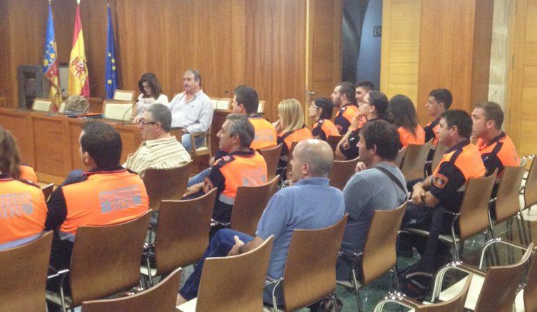 Voluntarios de Protección Civil durante el taller