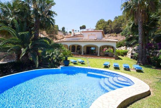 Casa Good Aguila Rent a Villa