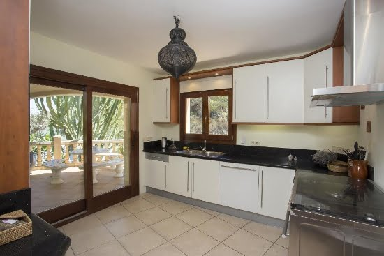 Cocina Casa Good Aguila rent a Villa