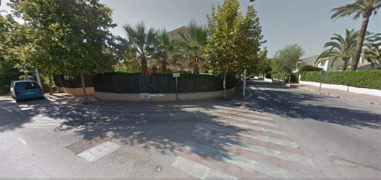 Cruce calle Esparta con Atenas en Xàbia
