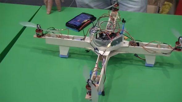 Drone construido por alumnos