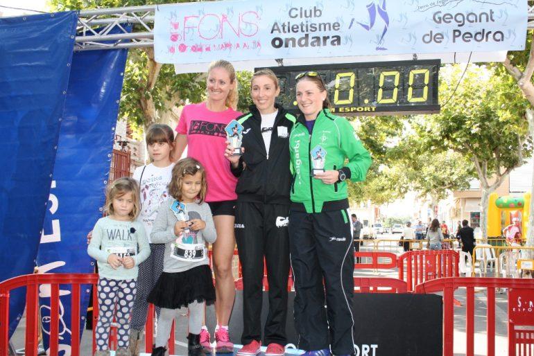 Mª Isabel Ferrer y Cristina Roselló en el podio senior
