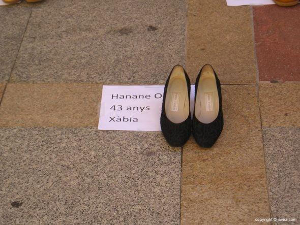 Par de zapatos en recuerdo de Hanane O