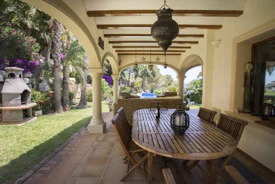 Terraza Good Aguila Rent a Villa