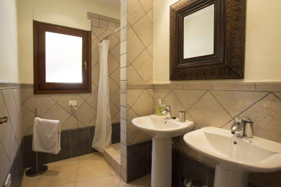 dormitorio 2 Casa Good Aguila Rent a Villas