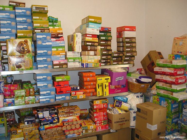 Alimentos en Cáritas Xàbia