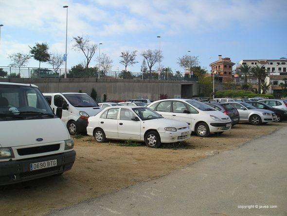 Vehículos pinchados en Xàbia