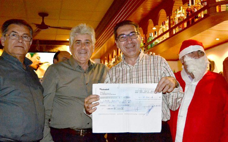 Cheque para Cruz Roja Xàbia