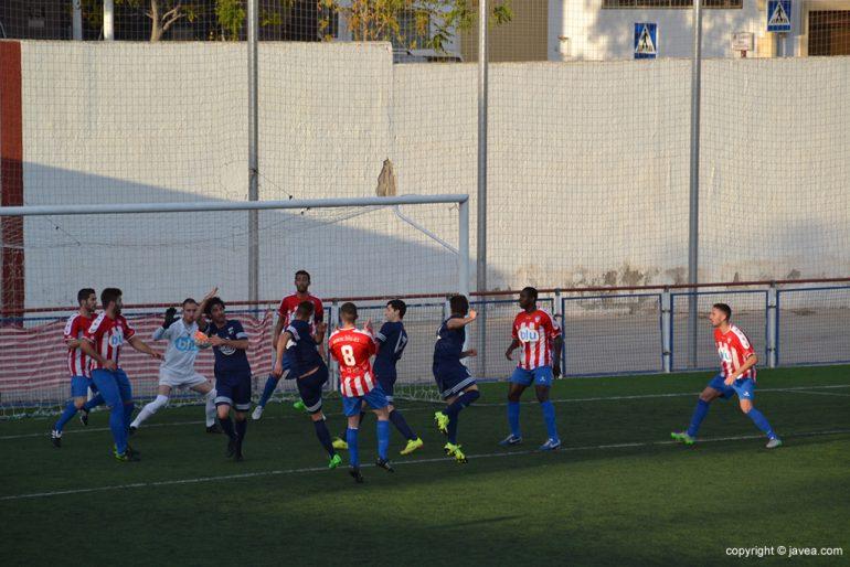 Gol de la UD Oliva en Xàbia