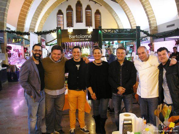 Chulvi con los chefs participantes en Mercatchef Junior