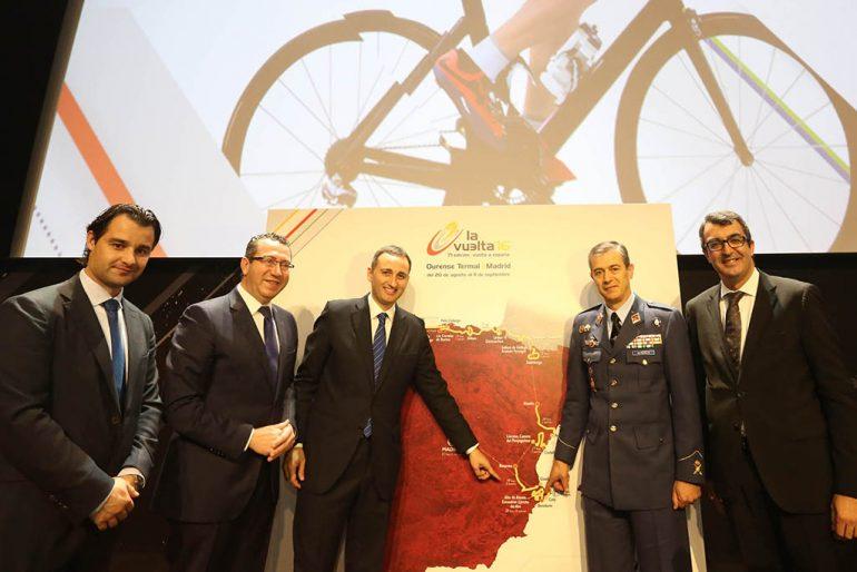 César Sánchez en la  Presentacion Vuelta Ciclista 2016 02