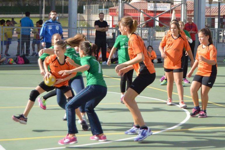 Chicas alevines del CH Xàbia durante un partido