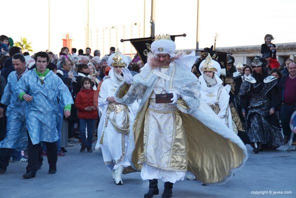 El Rey Gaspar con sus pajes