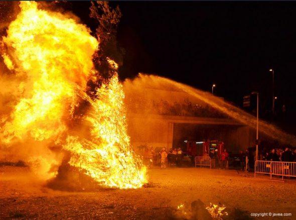 Pino ardiendo