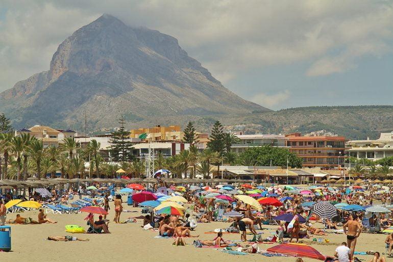Playa del Arenal en agosto