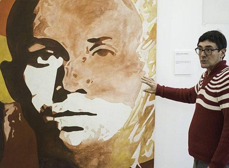 Ximo Canet ante su cuadro