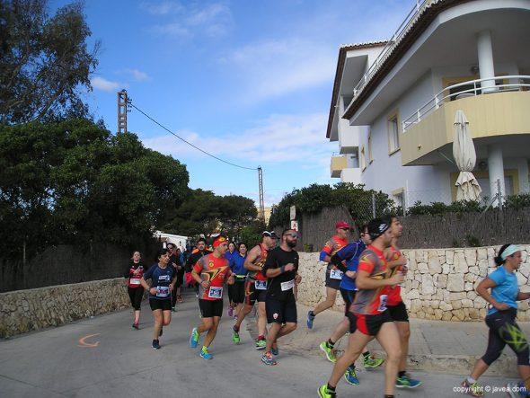 Atletas en la zona de La Caleta