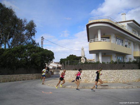Cuarteto perseguidor en La Caleta