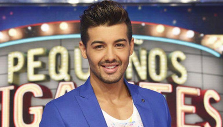 Jorge González cantante del programa La Voz