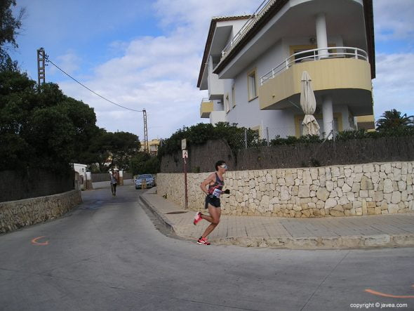 Félix Pons pasando por La Caleta