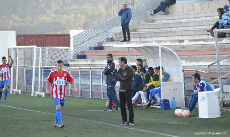 Juanjo Cháfer viviendo a píe de campo un partido