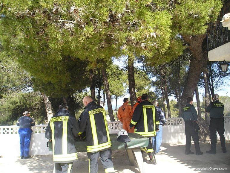 Participantes en las tareas de extinción del fuego
