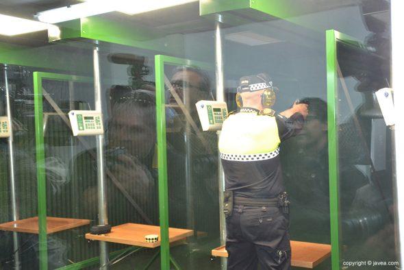 Policía Local en la galería de tiro