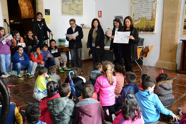 Alumnos del Vicente Tena ejerciendo de maestros