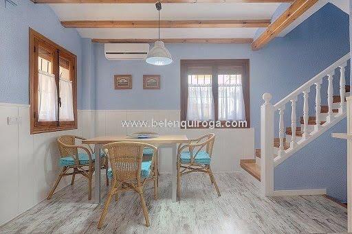 Inmobiliaria Belen Quiroga - Escalera del apartamento