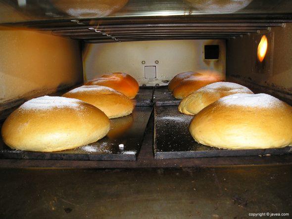 Monas en el horno
