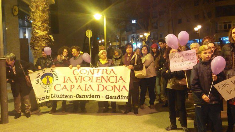 Mujeres en la manifestación de la Xarxa de Dones