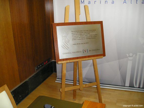 Placa de conmemoración del Consell Valencià de Cultura en Xàbia