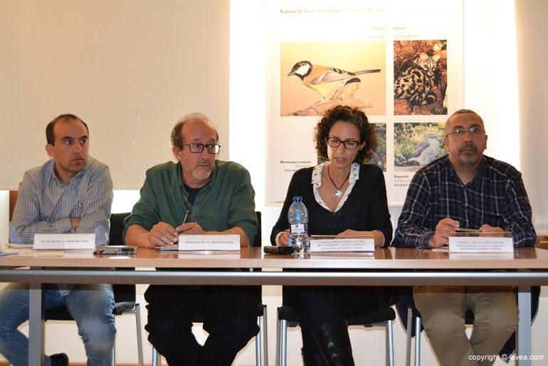 Toni Pellicer y Joan Sala junto a Delia Álvarez