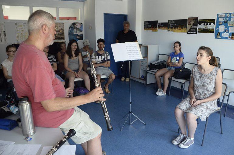 Una de las clases del curso de Música  que se celebra en Xàbia
