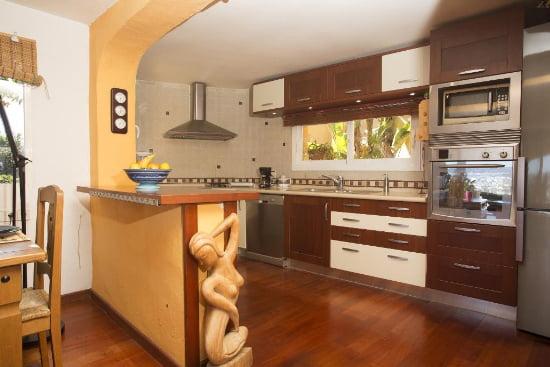 Cocina Nalu Aguila Rent a Villa