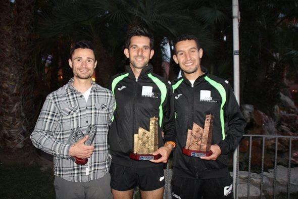 García y Younes con sus trofeos