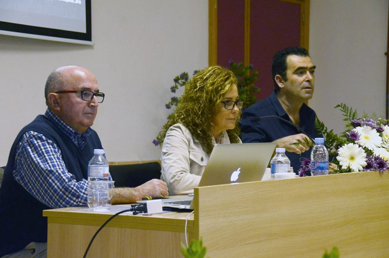 Josep Vanyó en la Escola de pares del IES Antoni Llidó