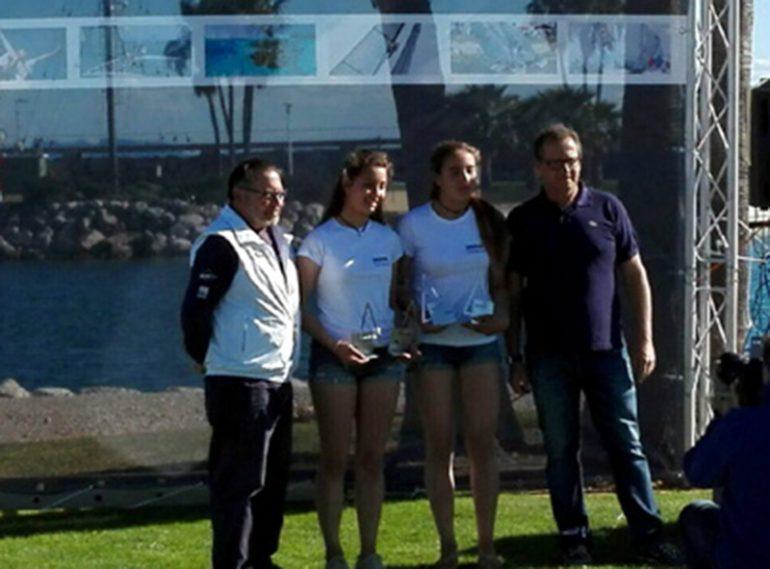 Julia Miñana y Sillvia Sebastia en el podio