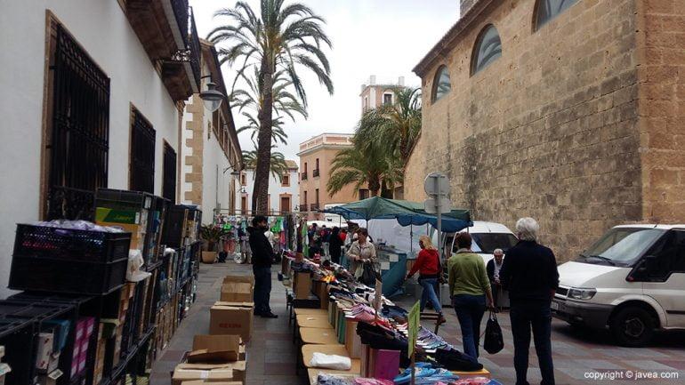Parada del mercadillo junto al Mercado Municipal