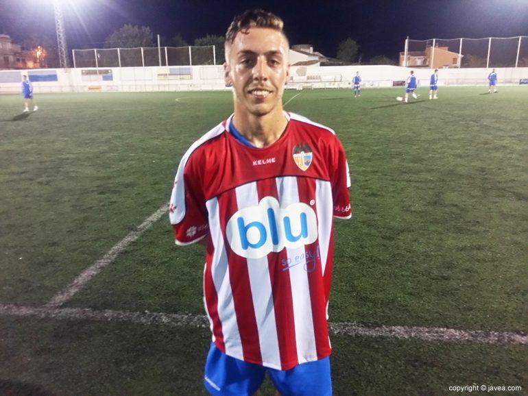 Raul Carmona con la camiseta del CD Jávea