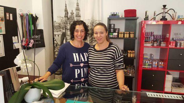 Toñi y Alex en tienda de Xabia Vaps