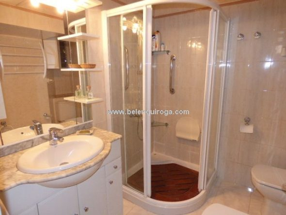 Baño con ducha Inmobiliaria Belen Quiroga