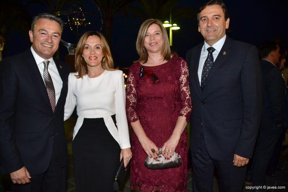 José Chulvi y Antonio Miragall con sus parejas