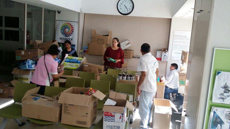 Material enviado a Ecuador desde Xàbia